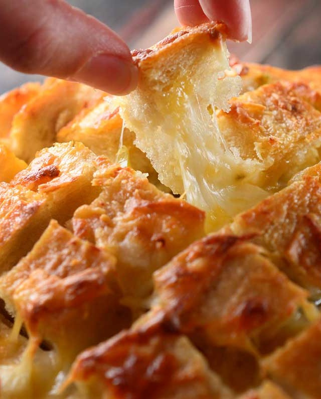 Cheesy Hatch Chile Pull Apart Bread