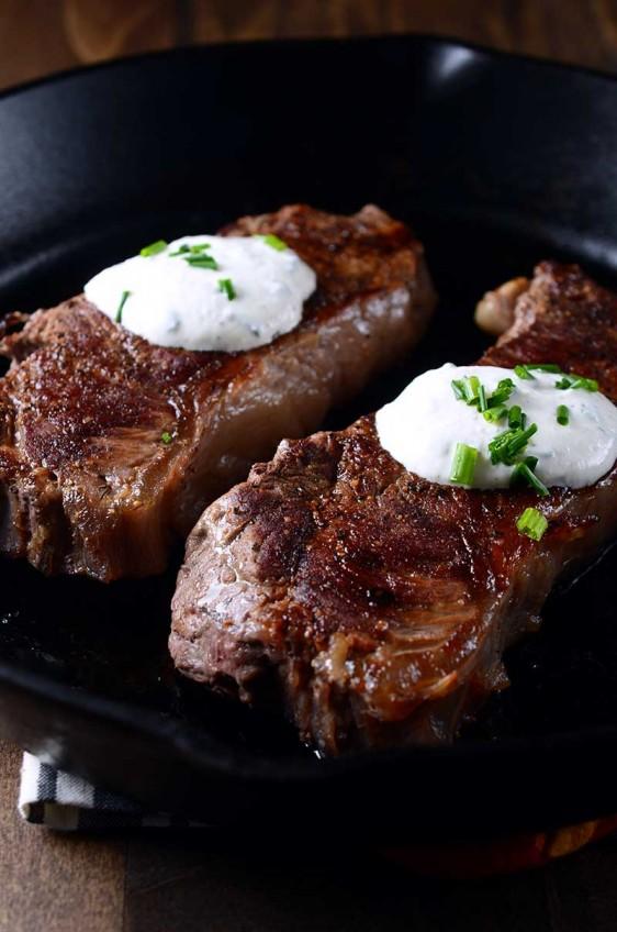 Pan Seared Steak with Creamy Herbed Horseradish Sauce