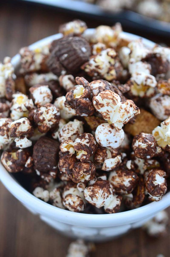 Peanut Butter Cup S'mores Popcorn