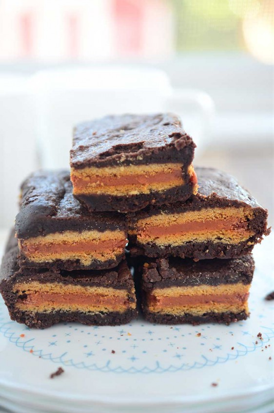 Pumpkin Spice Oreo Stuffed Brownies