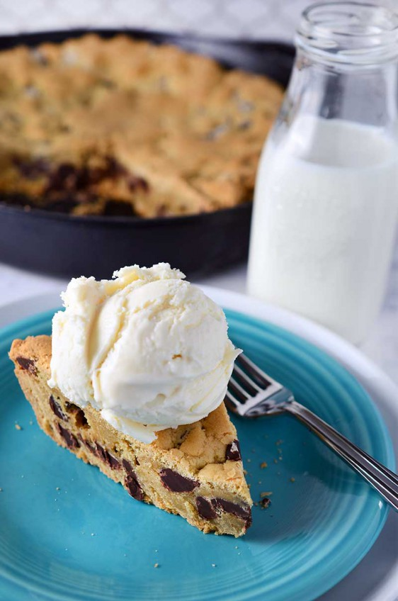 Vanilla Pudding Chocolate Chip Skillet Cookie