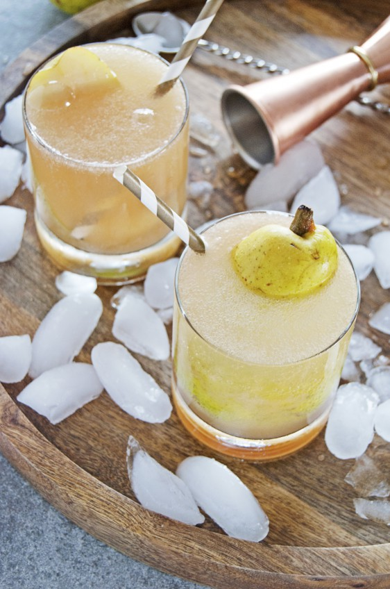 Cardamom Pear Spritzer Cocktail