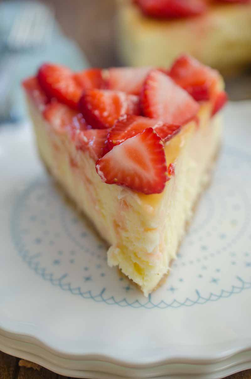 White chocolate strawberry cheesecake is the perfect cheesecake recipe for strawberry lovers! Get my tips for baking the perfect cheesecake and enjoy this decadent strawberry cheesecake recipe!