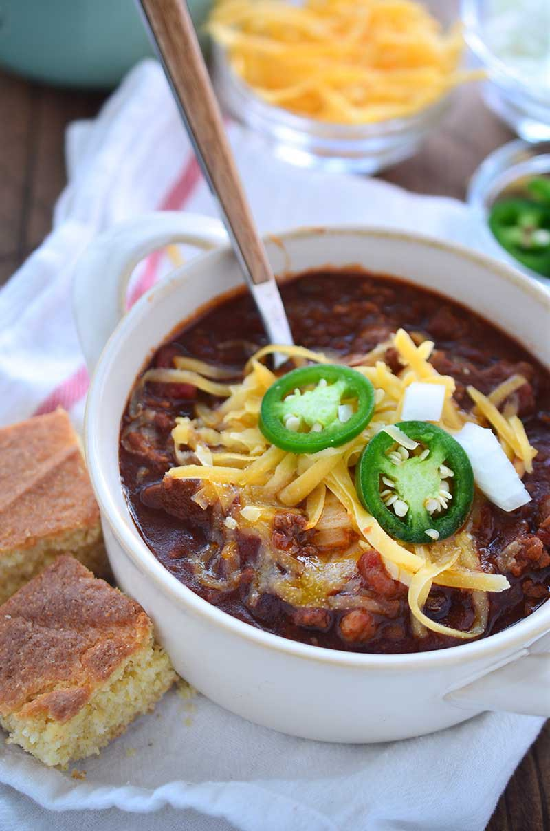 A hearty, tummy warming beef chili perfect for cool autumn nights!