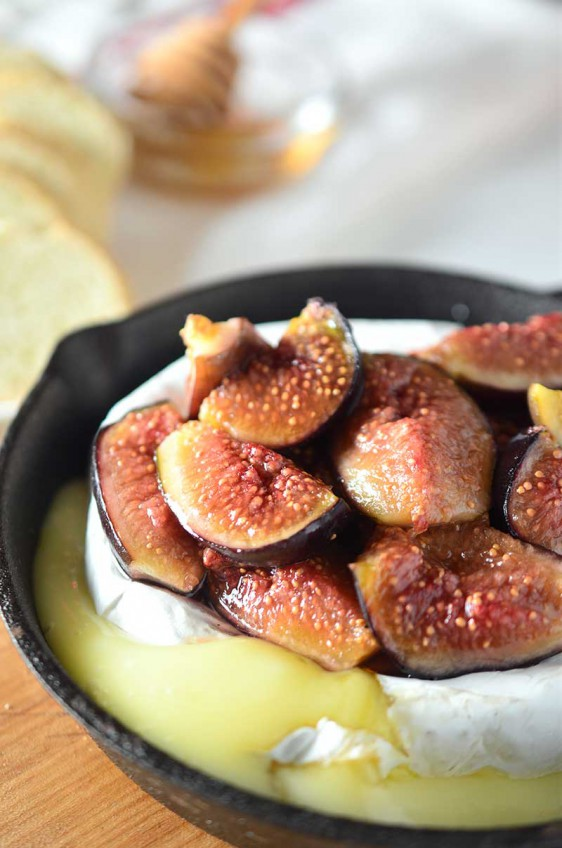 Baked Brie with Roasted Figs