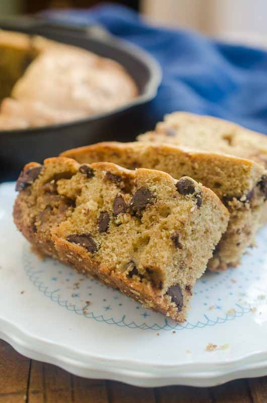 If you like chocolate chip cookies and cookie butter, you're going to LOVE this Chocolate Chip Cookie Butter Bread. Its a perfectly sweet afternoon snack!