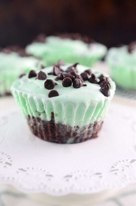 Mint Chocolate Chip Ice Cream Brownie Cups