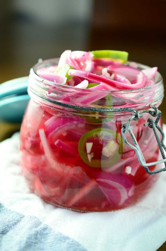 Quick and Spicy Pickled Onions