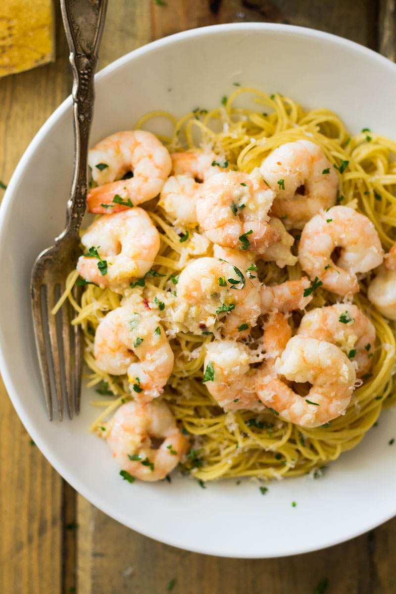 This Skinny Shrimp Scampi is lighter on calories but not on flavor!!