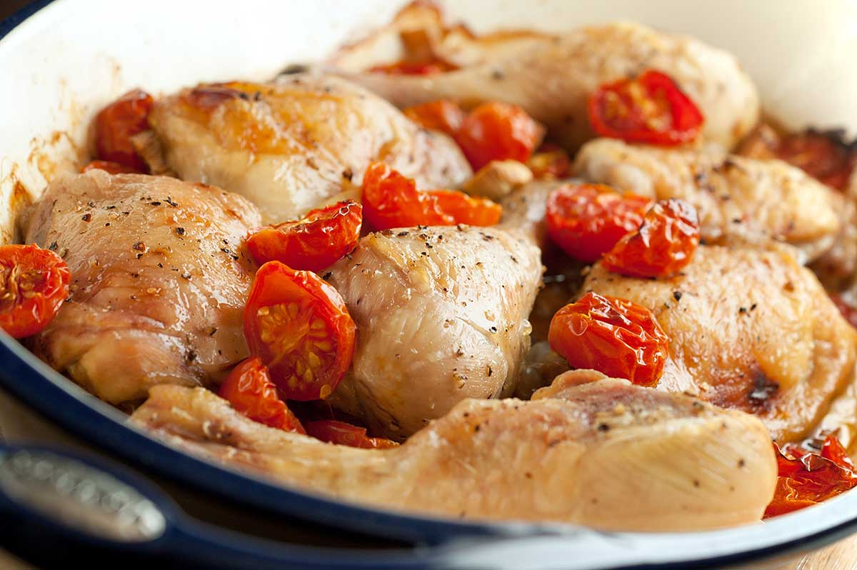 Baked Chicken with Garlic and Cherry Tomatoes