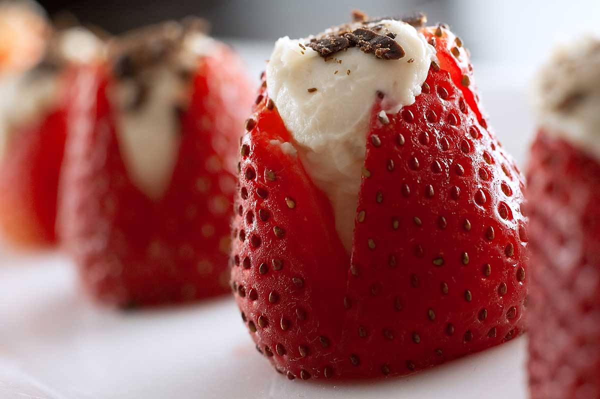 Chocolate Mascarpone Stuffed Strawberries