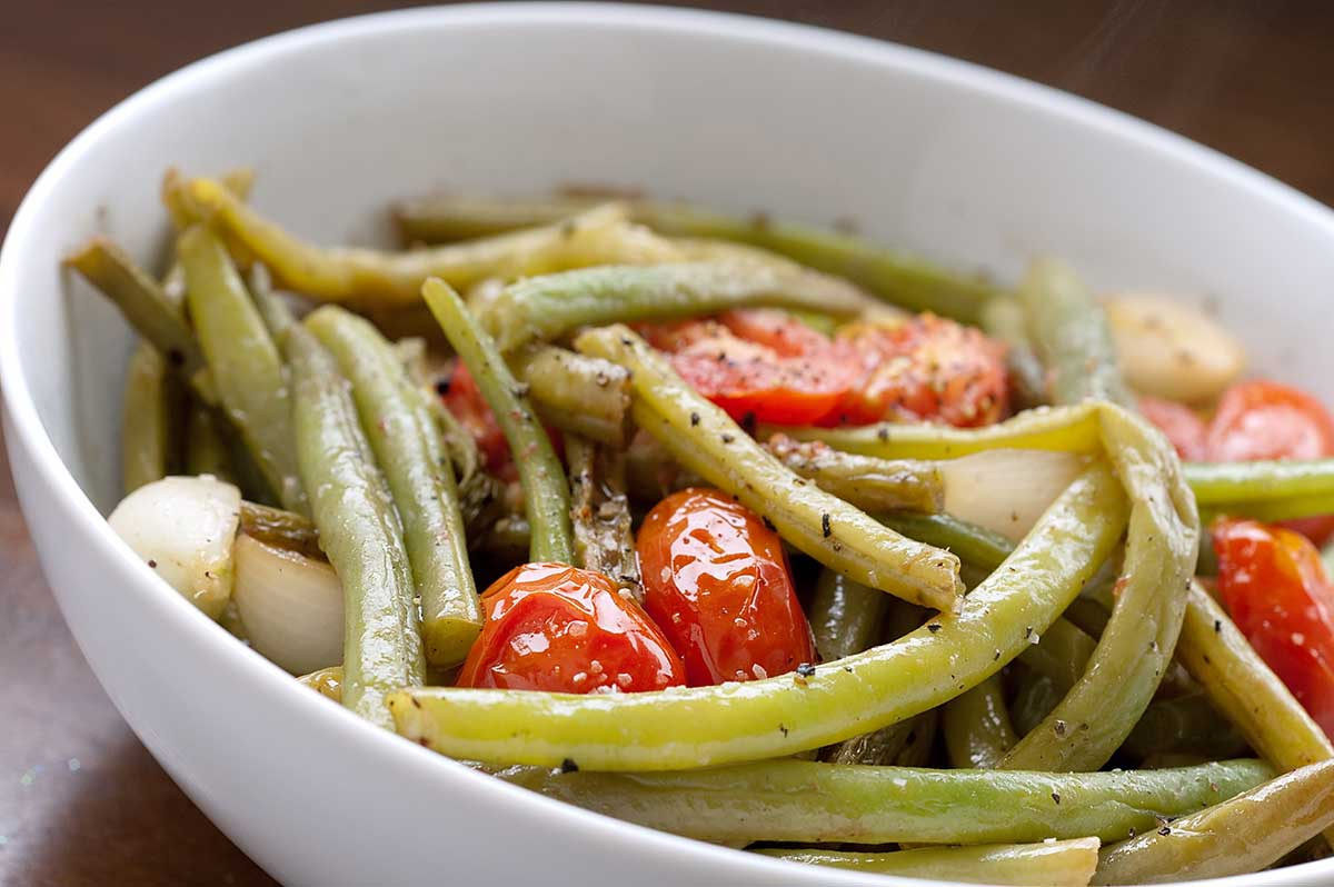 Green Beans with Tomatoes and Onions