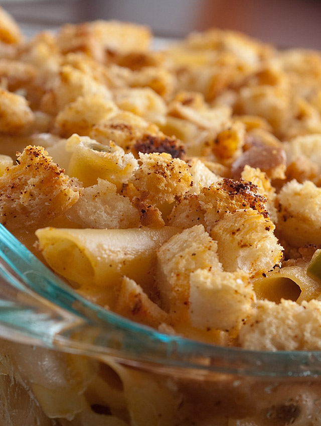 Smoked Cheddar and Jalapeno Macaroni and Cheese