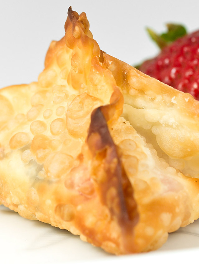 Strawberry and Nutella Wontons