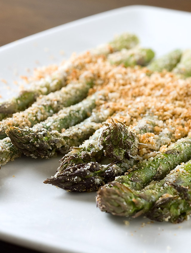 Baked Asparagus with Breadcrumbs