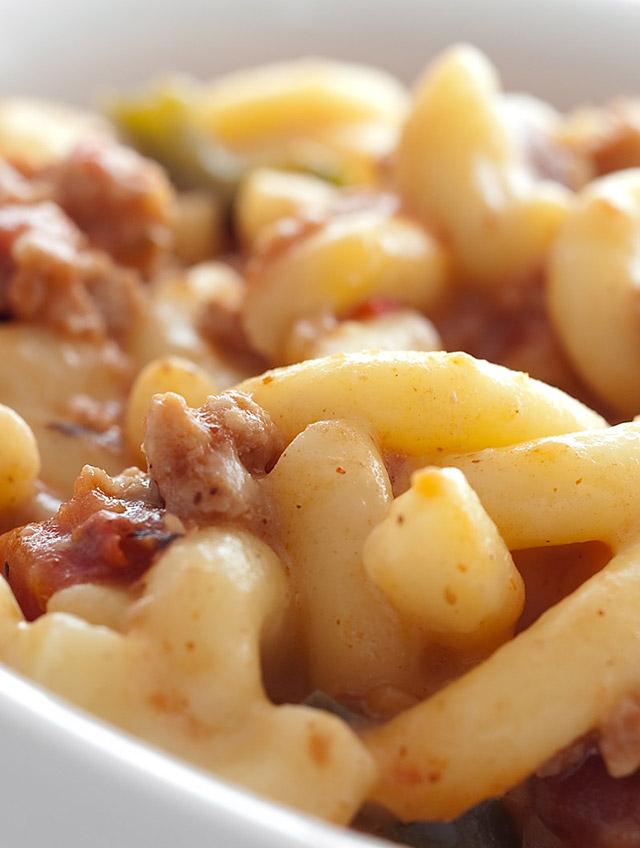 Cheesy Chili Mac