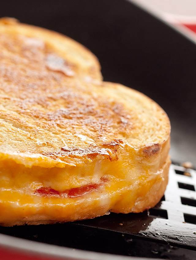 Grilled Cheese and Tomato Sandwich