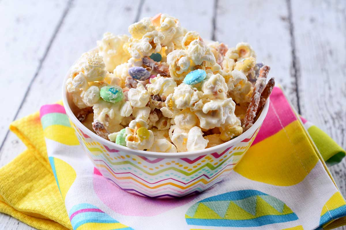 White Chocolate Easter Popcorn Mix