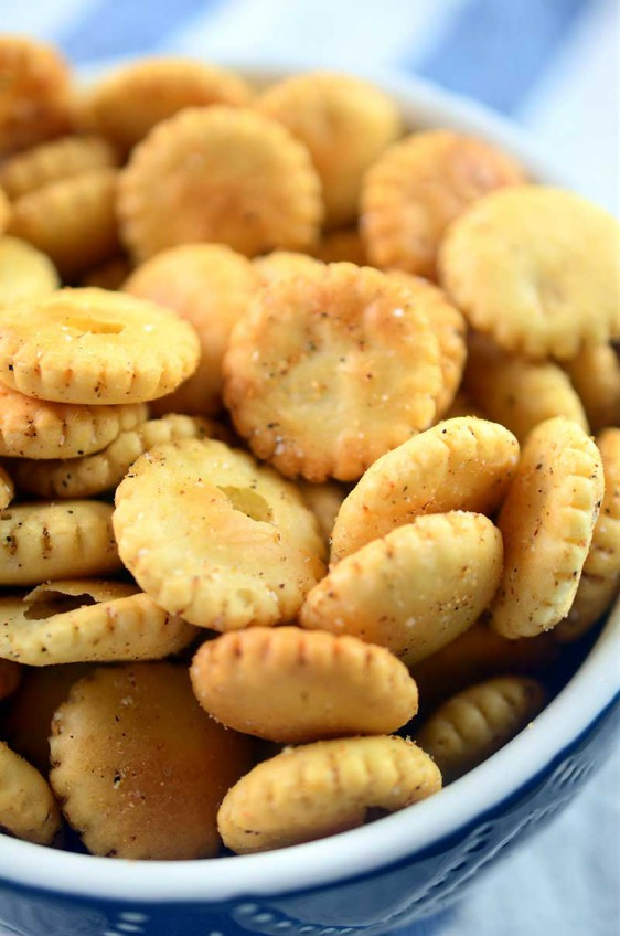 Cajun Seasoned Oyster Crackers