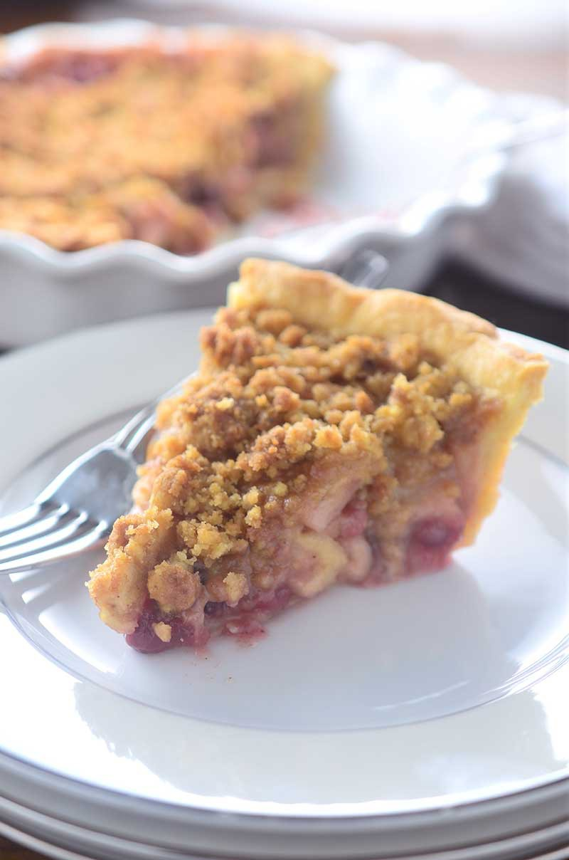 Cranberry Apple Crumble Pie