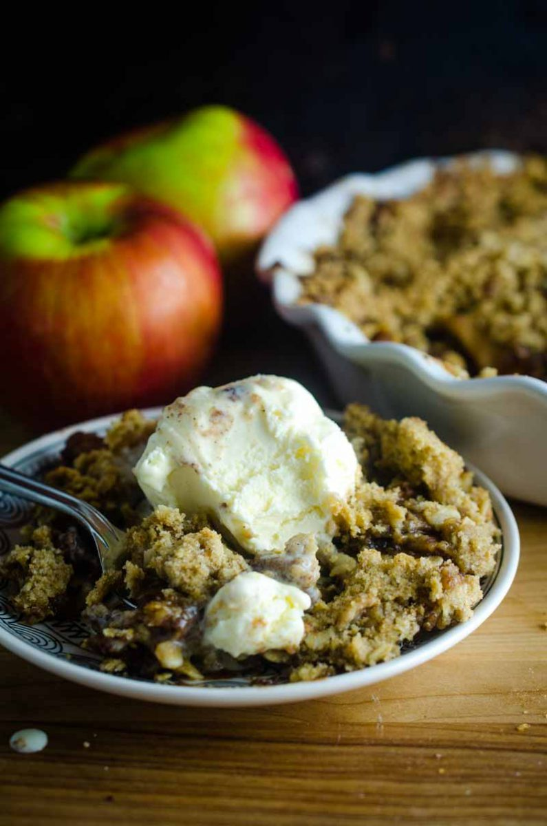 Making an apple crisp is easy! Learn how to make a crisp for any fruit dessert!
