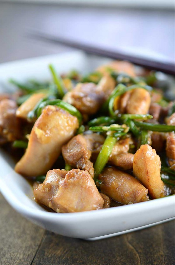 Nira Chive Chicken Stir Fry