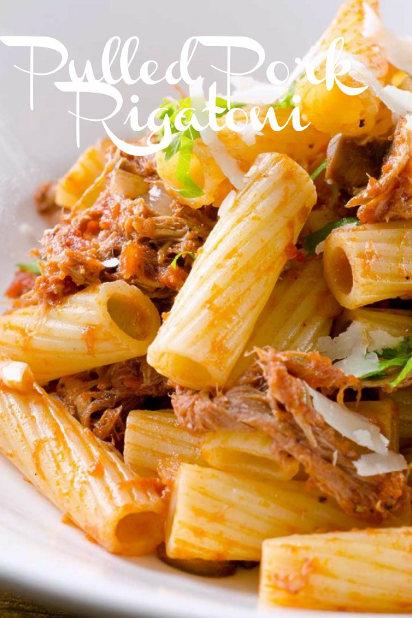 Pulled Pork Rigatoni is a rustic pasta dish. Rigatoni tossed with pulled pork ragu #leftoverpulledpork #pulledpork #pasta #dinner