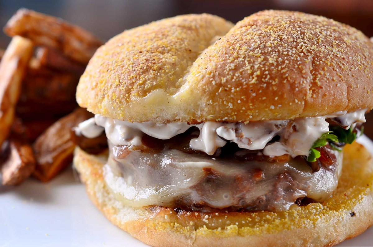 Caramelized French Onion Dip Burger