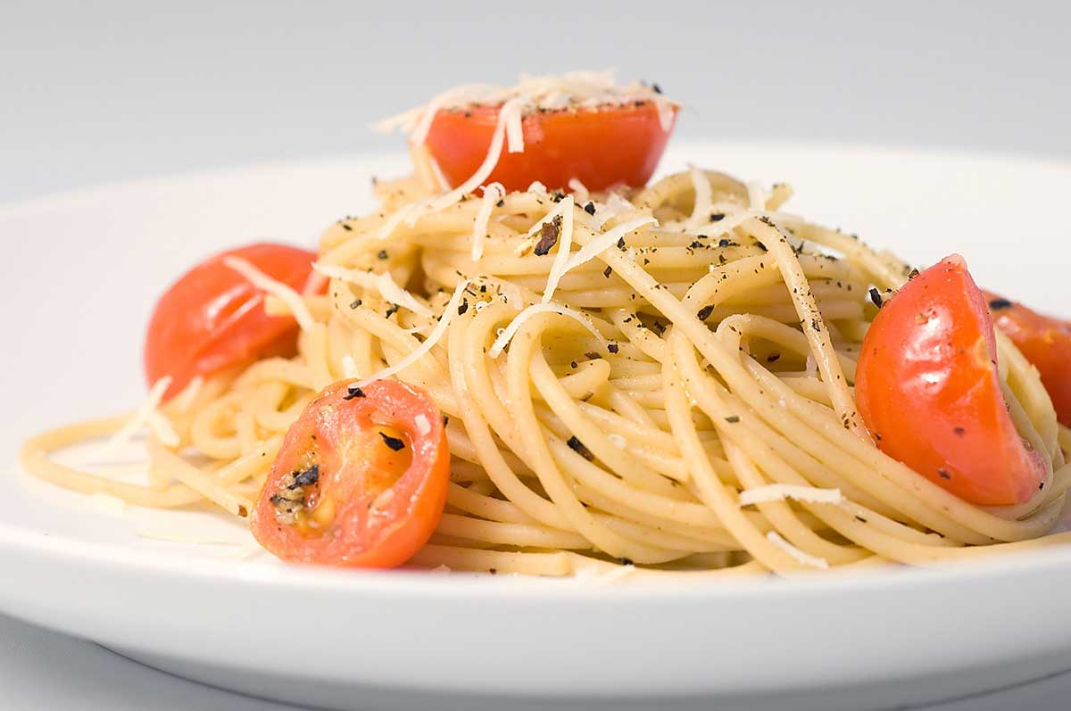 Spaghetti with Pecorino Romano, Pepper and Tomatoes