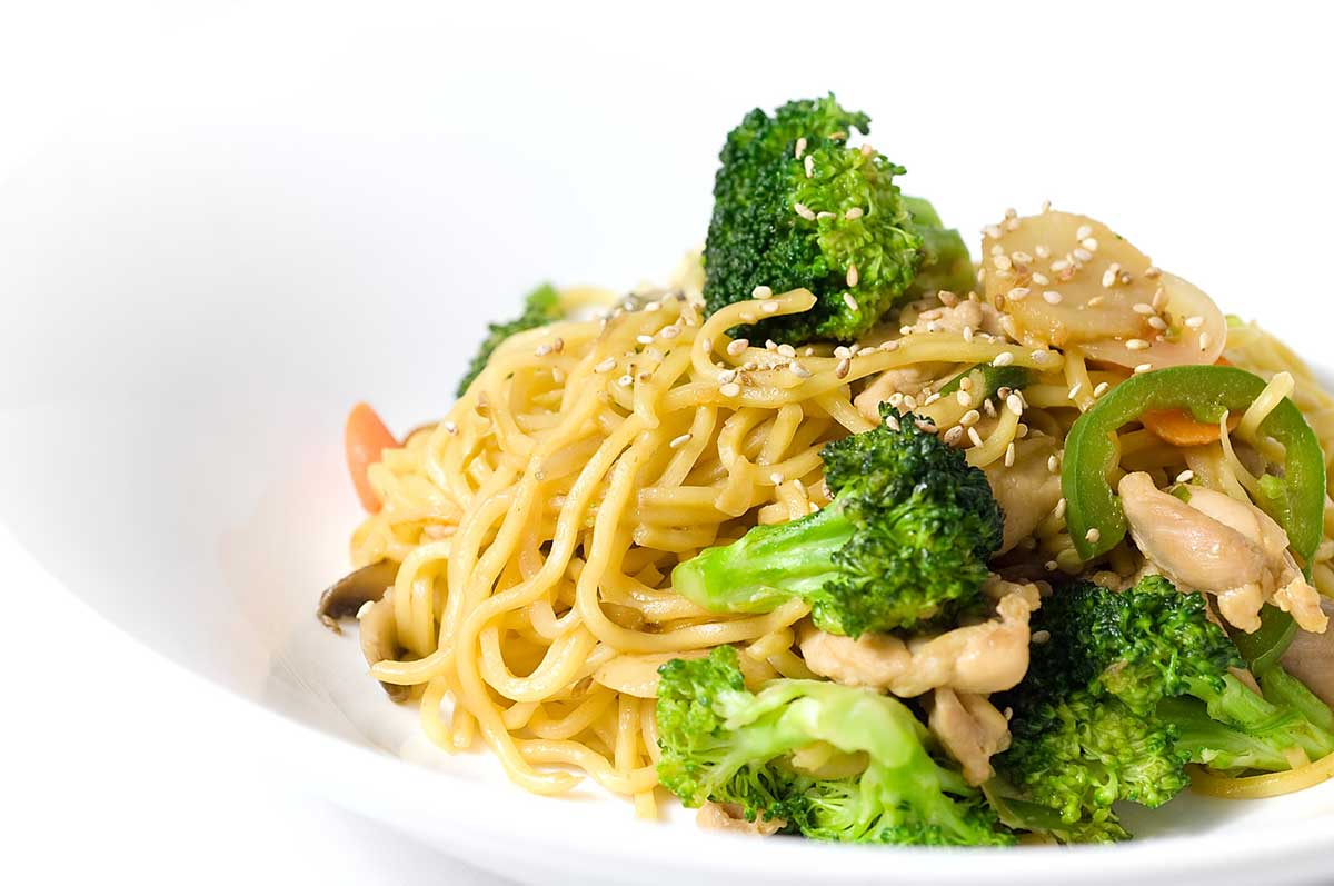 Yakisoba with Chicken and Veggies